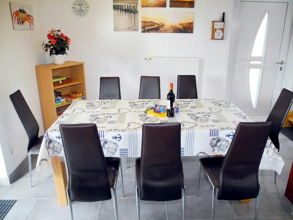 Ferienhaus Friedrichskoog Esstisch für 8P